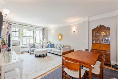 10914 Ascan Ave #3A, Forest Hills, NY 11375