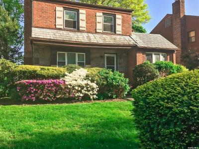 11026 67th Rd, Forest Hills, NY 11375
