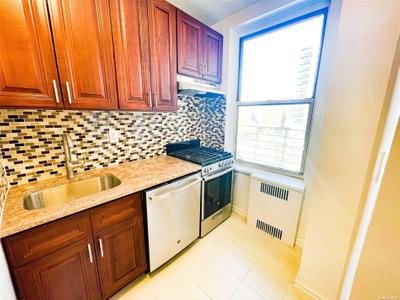 11034 73rd Rd #4H, Forest Hills, NY 11375