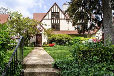 11631 Union Tpke, Forest Hills, NY 11375