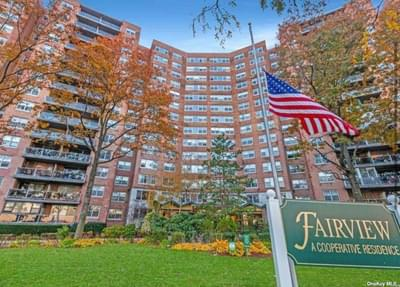 6120 Grand Central Pkwy #B910, Forest Hills, NY 11375