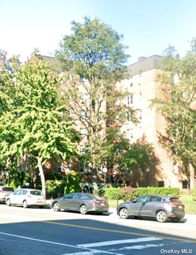 6535 Yellowstone Blvd #4G, Forest Hills, NY 11375