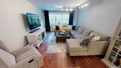 6636 Yellowstone Blvd #3H, Forest Hills, NY 11375