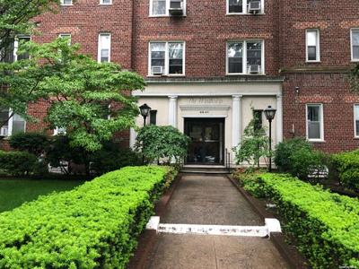 6863 108th St #1C, Forest Hills, NY 11375