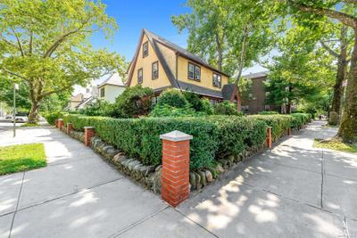 6902 Kessel St, Forest Hills, NY 11375