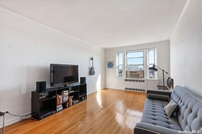 6909 108th St #506, Forest Hills, NY 11375