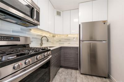 7025 Yellowstone Blvd #4R, Forest Hills, NY 11375