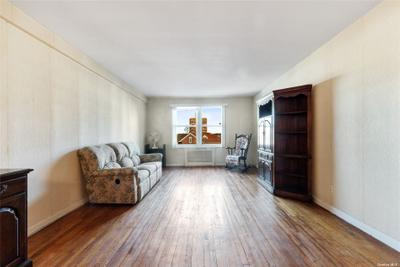 7210 112th St #3E, Forest Hills, NY 11375