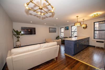 7281 113th St #4Z, Forest Hills, NY 11375