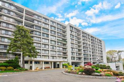 500 High Point Dr #412, Hartsdale, NY 10530