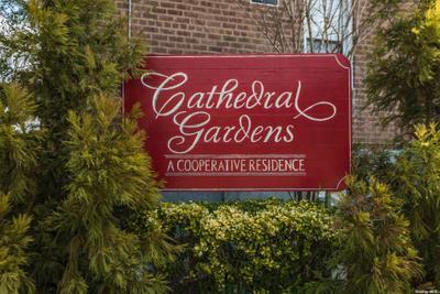 32 Cathedral Ave #2C, Hempstead, NY 11550