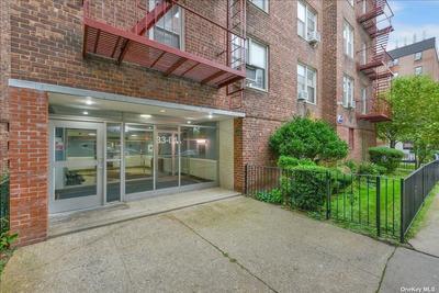3304 91st St #3S, Jackson Heights, NY 11372