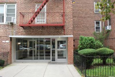3344 91st St #2L, Jackson Heights, NY 11372