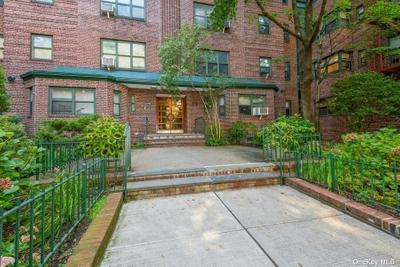 3420 79th St #4E, Jackson Heights, NY 11372