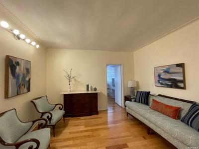 3505 72nd St #6H, Jackson Heights, NY 11372