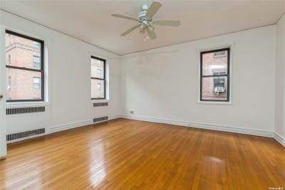 3515 84th St #3D, Jackson Heights, NY 11372