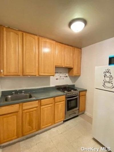 3520 Leverich St #B725, Jackson Heights, NY 11372
