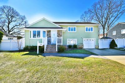 1754 Remson Ave, Merrick, NY 11566