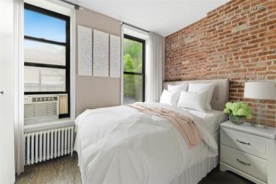 147 Sullivan St #3B, New York, NY 10012