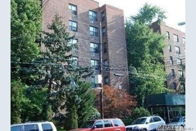 6515 38th Ave #1J, Woodside, NY 11377