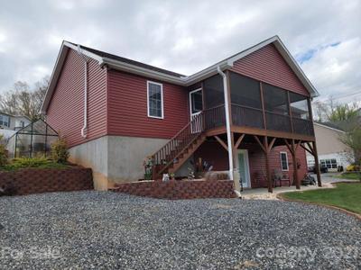 274 Snelson Rd, Alexander, NC 28701