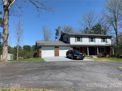 7 Fishers Mill Rd, Arden, NC 28704