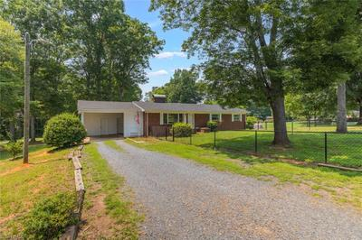 233 Spencer Meadow Rd, Asheboro, NC 27205
