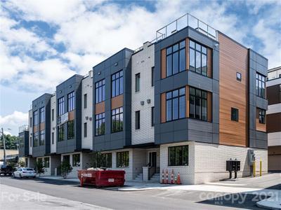 12 Bauhaus Ct, Asheville, NC 28801