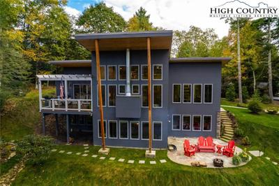 127 Bitter Root Dr, Blowing Rock, NC 28605
