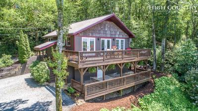 129 Forest Ln, Blowing Rock, NC 28605