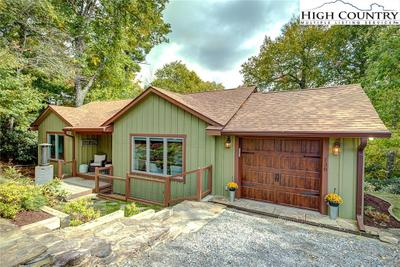 138 Ovens Ln, Blowing Rock, NC 28605