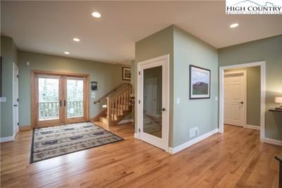 242 Highland Ridge Rd Image 3 of 47