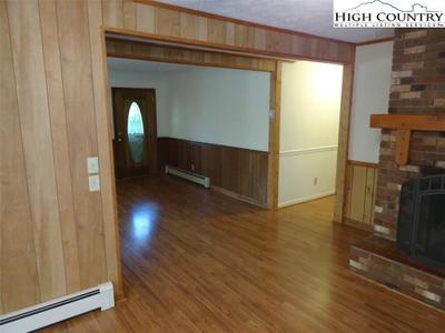 261 Mack Hampton Rd Image 5 of 40