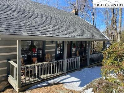 301 Brown Mountain Ridge Rd, Blowing Rock, NC 28605