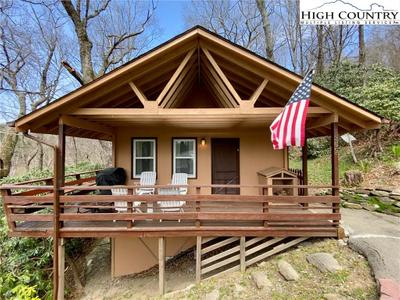 309 Ski Crest Park, Blowing Rock, NC 28605
