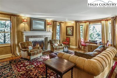 450 Country Club Ln Image 3