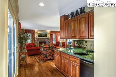 450 Country Club Ln Image 5