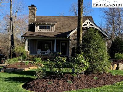 646 Sweetgrass Dr, Blowing Rock, NC 28605