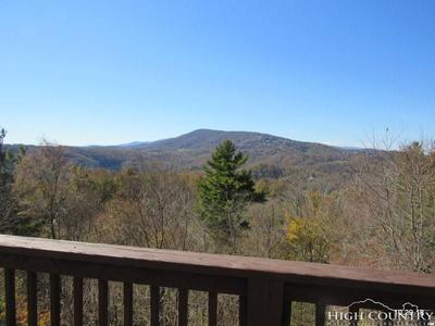 822 Sorrento Dr, Blowing Rock, NC 28605
