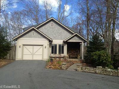 240 Mossy Springs Ln, Boone, NC 28607