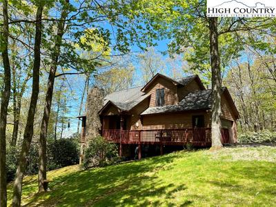 460 Deerfield Forest Pkwy, Boone, NC 28607