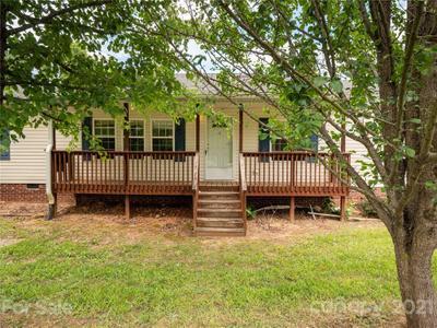 326 Justice Ridge Rd, Candler, NC 28715