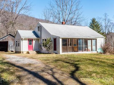 406 Curtis Creek Rd, Candler, NC 28715
