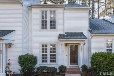 126 Greenmont Ln, Cary, NC 27511
