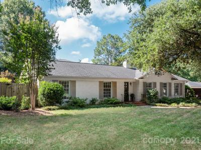 1315 Ferncliff Rd, Charlotte, NC 28211