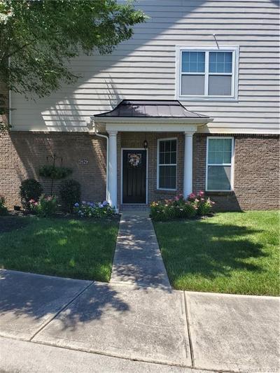 5929 Glenmore Garden Dr, Charlotte, NC 28270