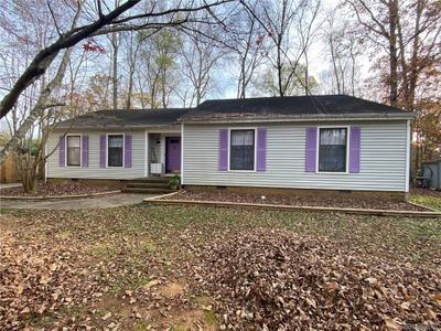 7604 Applewood Ln, Charlotte, NC 28227