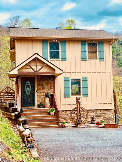 303 Tinys Mountain Dr, Deep Gap, NC 28618