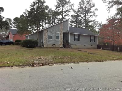 3943 Foster Dr, Fayetteville, NC 28311