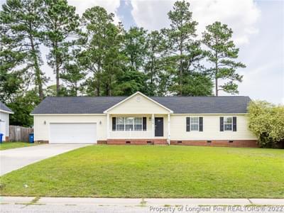 815 Turkey Ridge Dr, Fayetteville, NC 28314